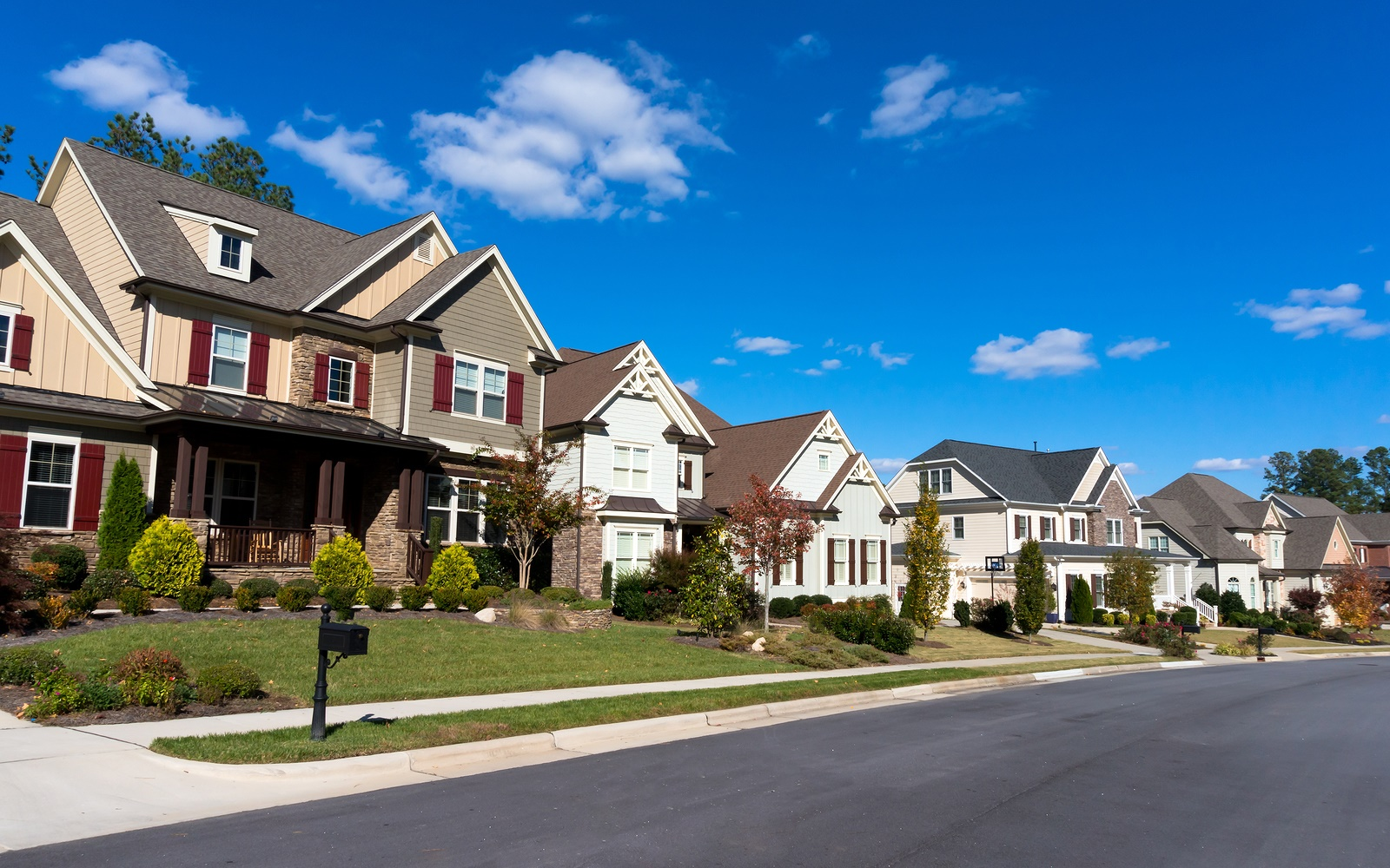 buying_a_home_in_an_hoa_neighborhood_can_be_a_great_move